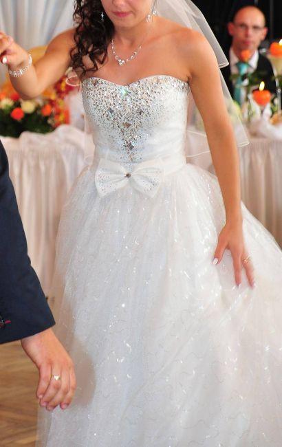 Cena : 600 PLN. Rozmiar : 34,36. Suknia ślubna   Firmy . Opis :