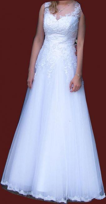 Cena : 500 PLN. Rozmiar : 38. Suknia ślubna  Sophia Firmy Catherine. Opis :Suknia w bardzo dobry stanie. Model Sophia z salonu Catherine Dołączam bolerko