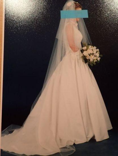 Cena : 500 PLN. Rozmiar : 36,38. Suknia ślubna   Firmy Madonna. Opis :