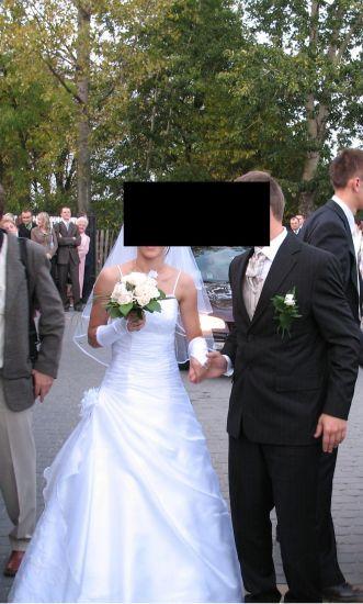Cena : 500 PLN. Rozmiar : 38. Suknia ślubna   Firmy . Opis :