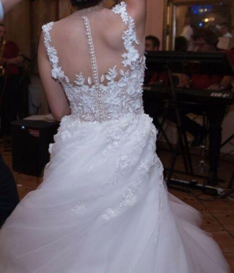 Cena : 1200 PLN. Rozmiar : 36,38. Suknia ślubna   Firmy Carolina. Opis :